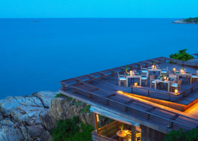 Restaurante Dining On the Rocks en Six Senses Samui